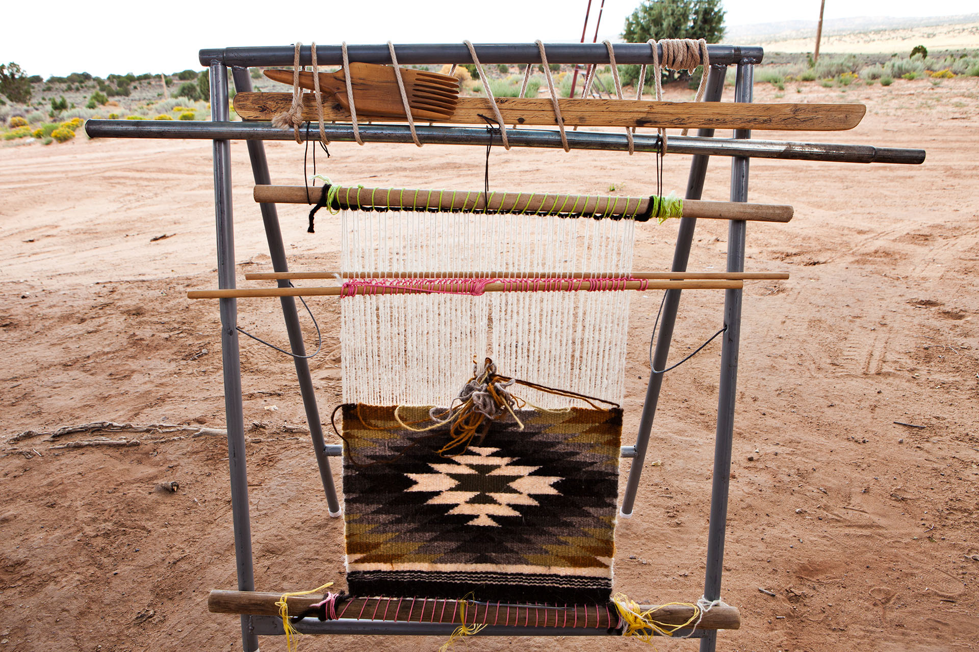 Native American Navajo Weaving on Hardrock reservation